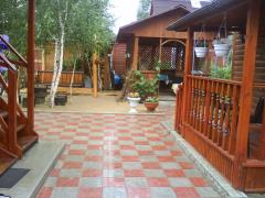 To the river 30 meters, forest, beauty.Rent a house in Svyatogorsk to stay